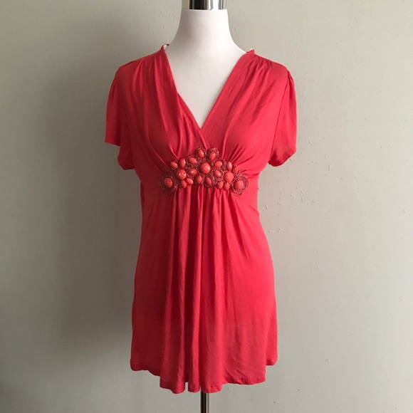 Jr plus size coral short sleeve tunic with detail